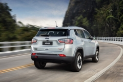 Jeep-Compass-Trailhawk-12